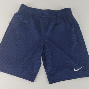 Nike kids gym shorts sz 6-7 years large